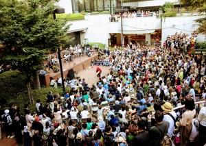 ギリヤーク尼ヶ崎 青空舞踊公演(新宿55HIROBA)